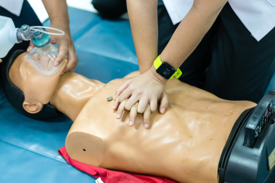 bls-vs-cpr-whats-the-difference