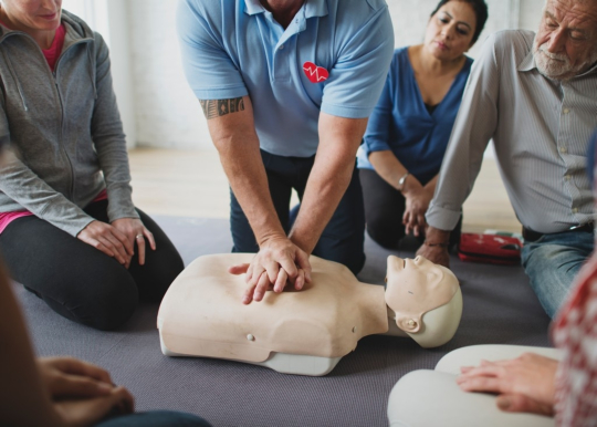 healthcare-professionals-and-cpr-training